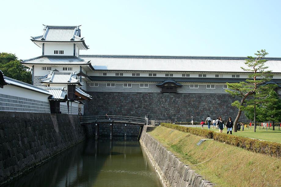金沢城公園のシンボル、橋爪門続櫓と五十間長屋
