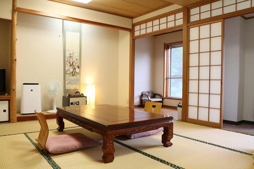 客室は6畳から12.5畳までさまざまある
