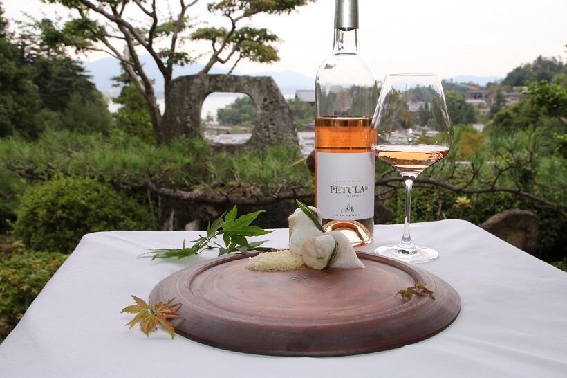 フランスと広島の師弟シェフの「絶景」料理。日本三景・宮島で味わう