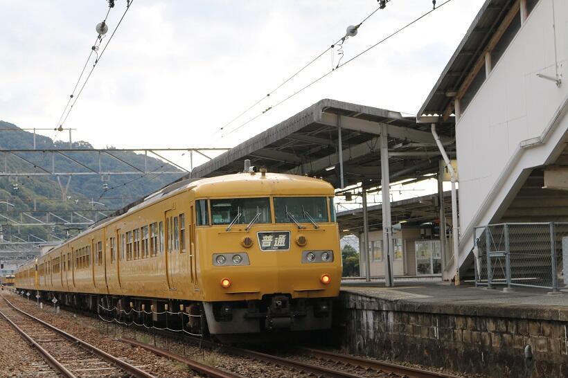 糸崎駅に停車中の山陽本線