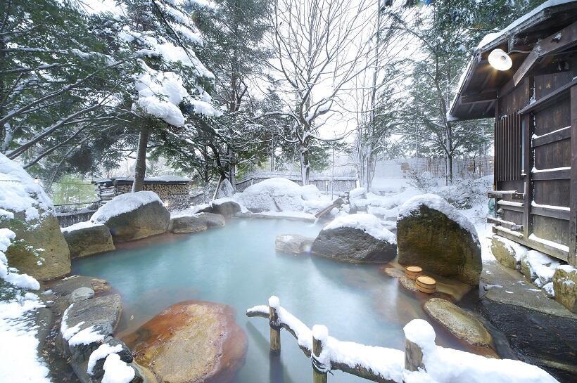福地温泉の孫九郎でかけ流しの湯と音楽にひたる(1)