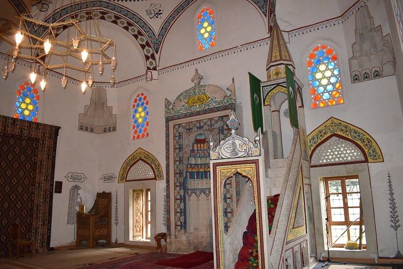 モスク「コスキ・メフメット・パシナ・ジャミーヤ」内部