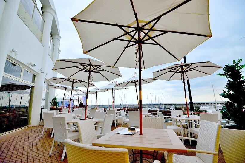 伊豆高原 海の前のカフェレストラン
