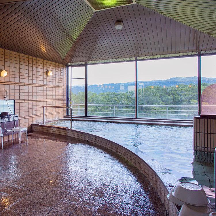 パノラマに景観が開ける展望風呂