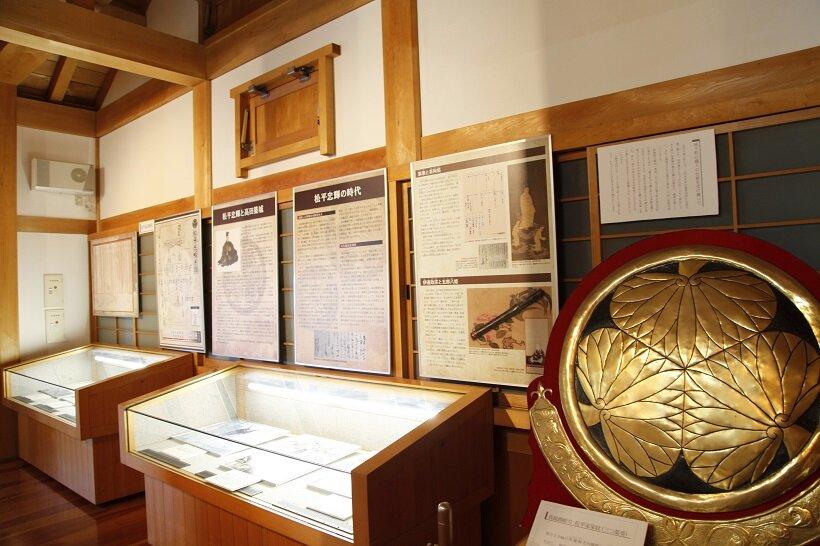 三重櫓内では高田城の歴史をパネルなどで案内
