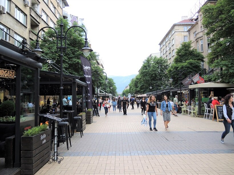 ヴィトシャ通りには、洗練されたおしゃれな店が並ぶ