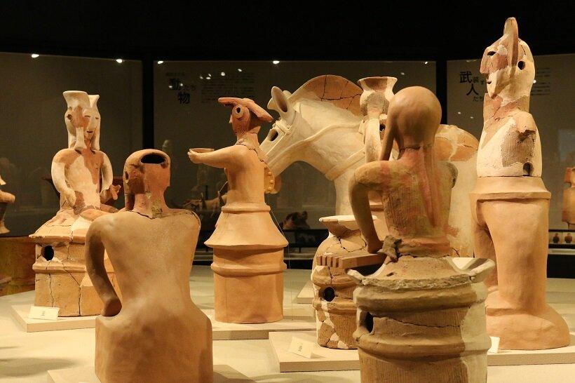本物の埴輪を展示するかみつけの里博物館