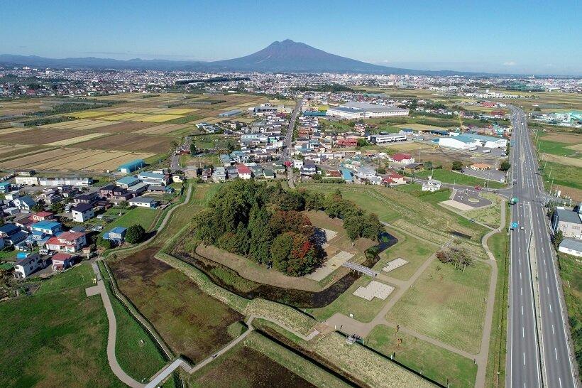 弘前・堀越城が復元公開