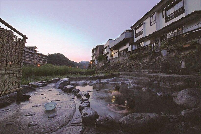 鳥取三朝河原風呂