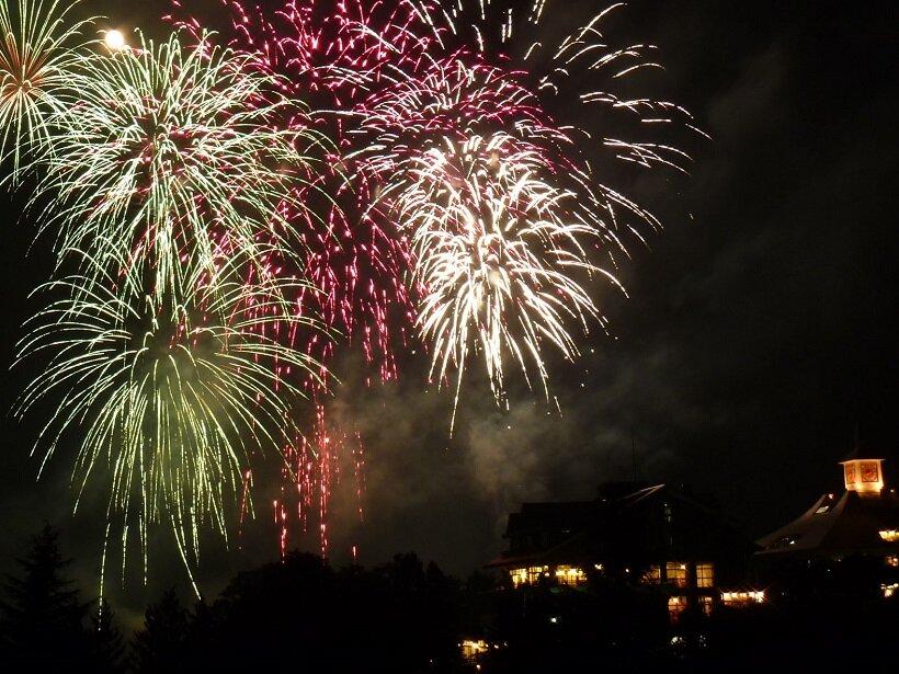 那須高原で花火大会を開催