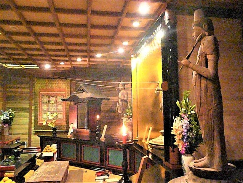 紀三井寺で50年に1度の秘仏開帳