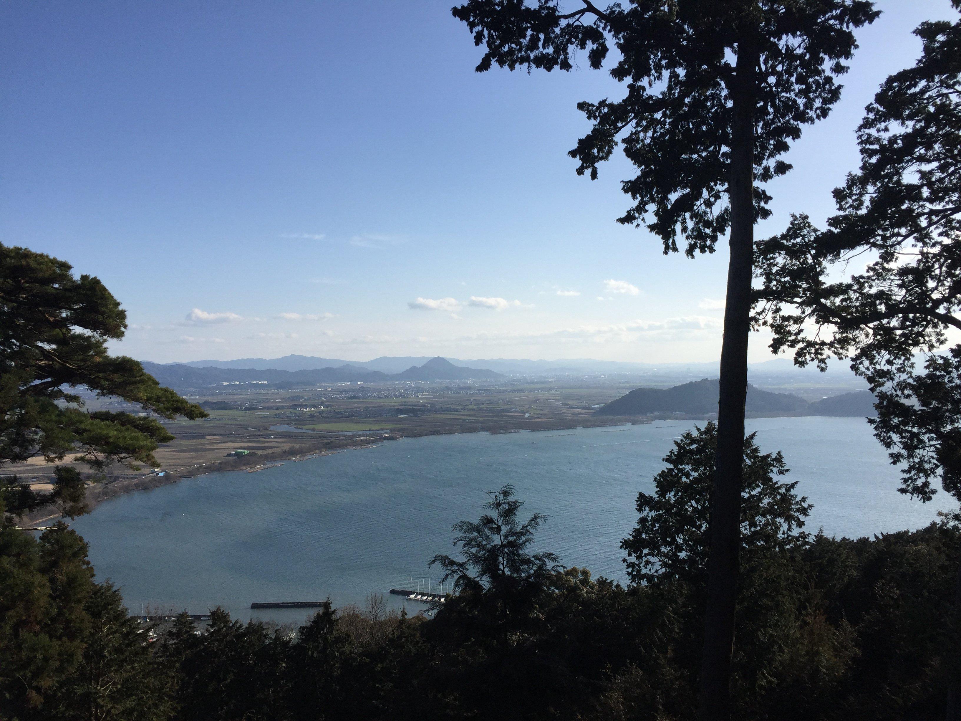長命寺山から望む琵琶湖