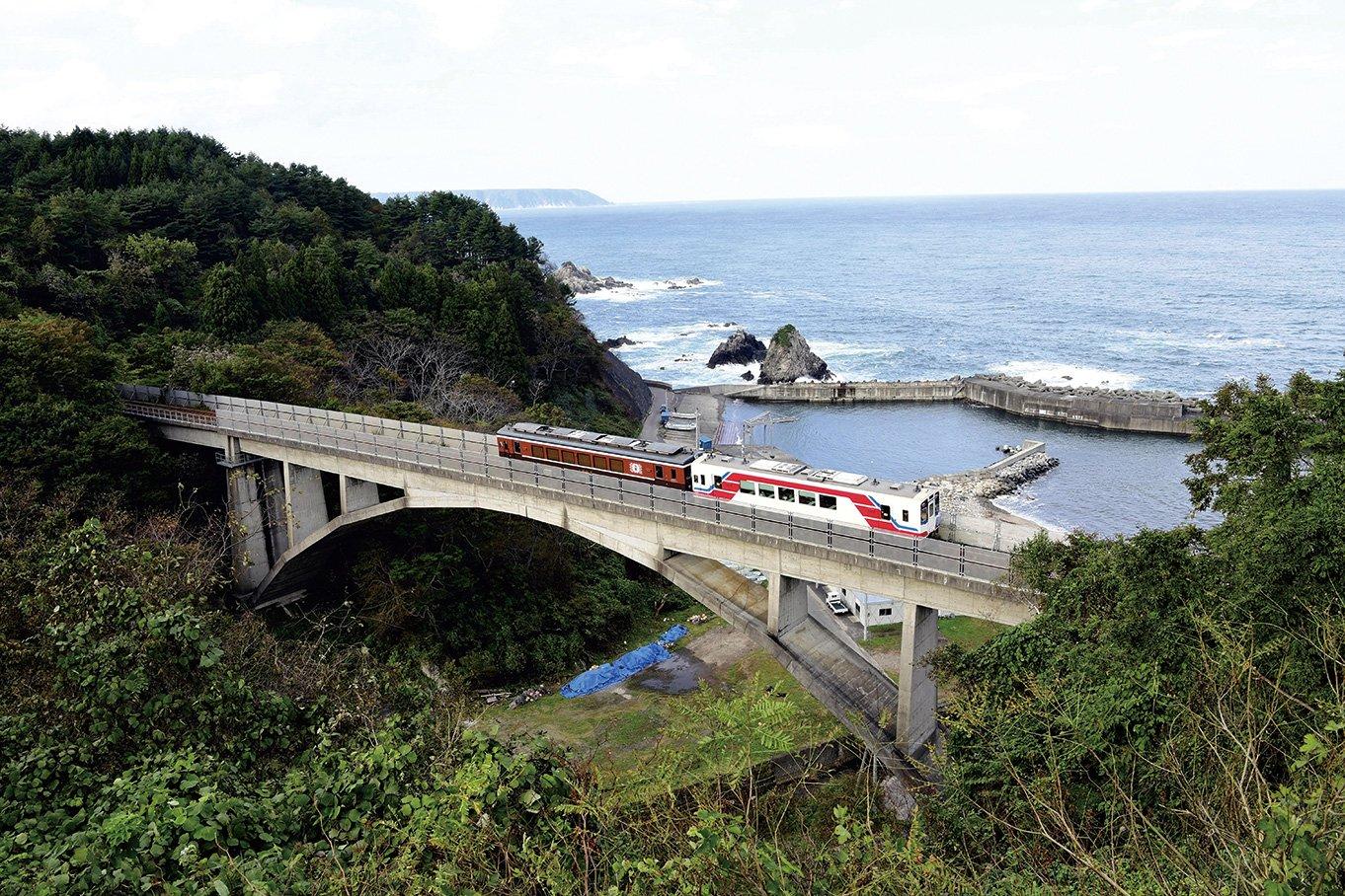 【鉄印帳を携えて】二つの海岸美にグルメ<br><三陸鉄道>