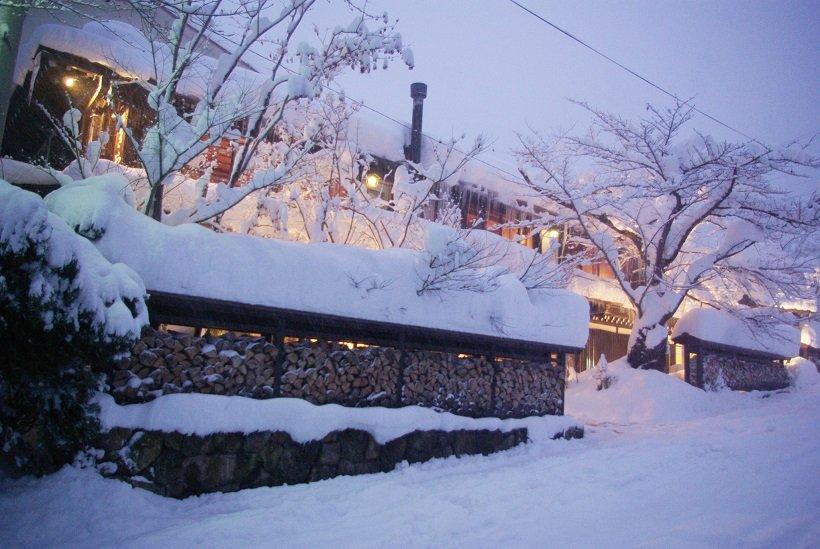 冬は豪雪に包まれる(撮影/マウンテントラッド)