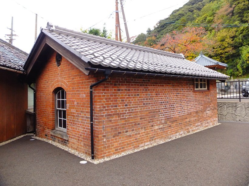 敦賀赤レンガランプ小屋
