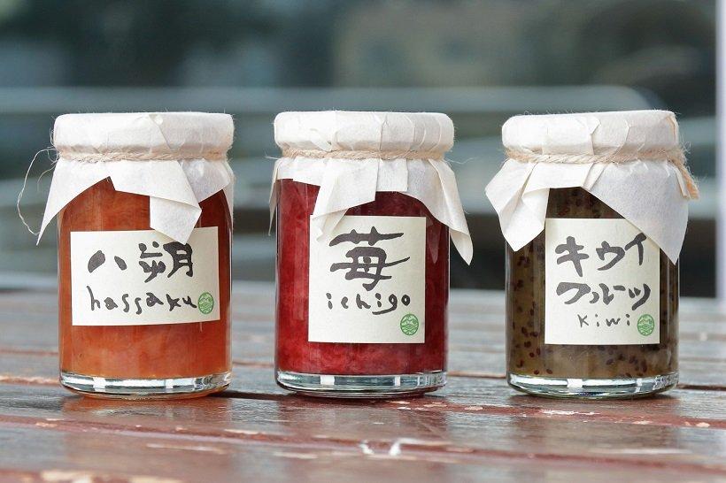 鳥羽マルシェのオリジナルジャム600円。キウイ、イチゴ、ハッサクなどがある