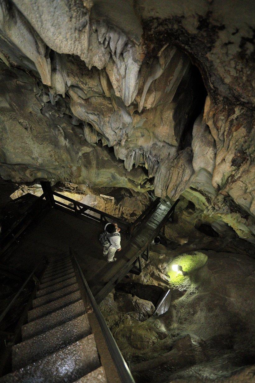 橋立鍾乳洞で神秘的な世界を体感