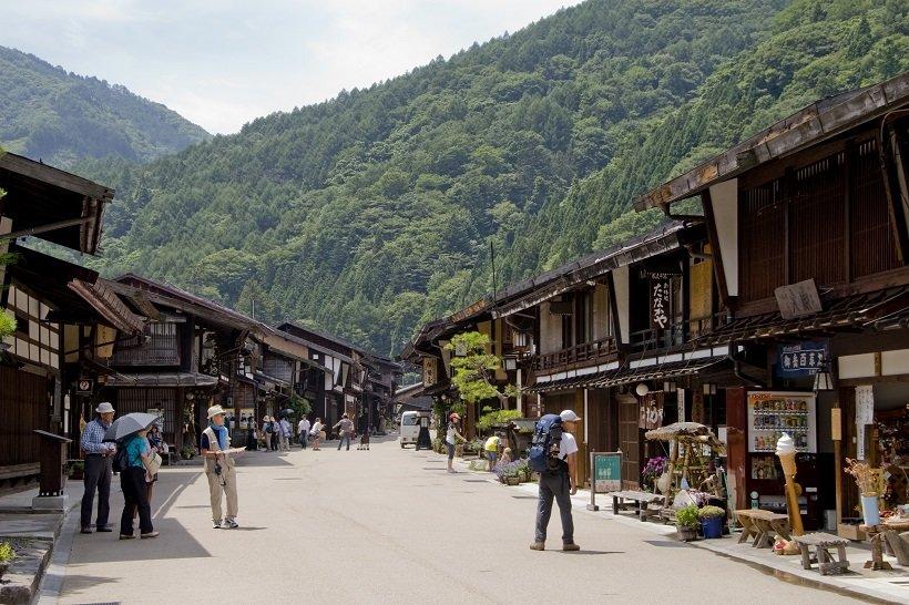 160軒余りの家々が連なる奈良井宿