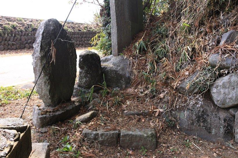 台座のみが残る上野天満宮の道祖神