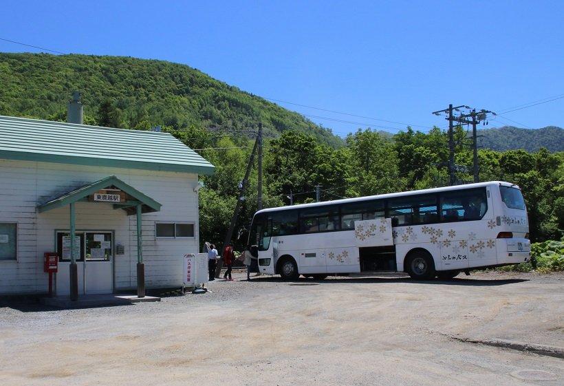 2016年の台風災害の影響による根室線代行バス(東鹿越駅)