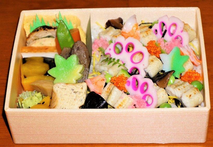 鰻白焼丼(1500円)