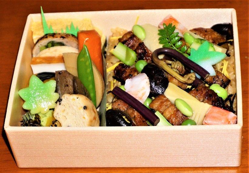 鰻地焼丼(1500円)