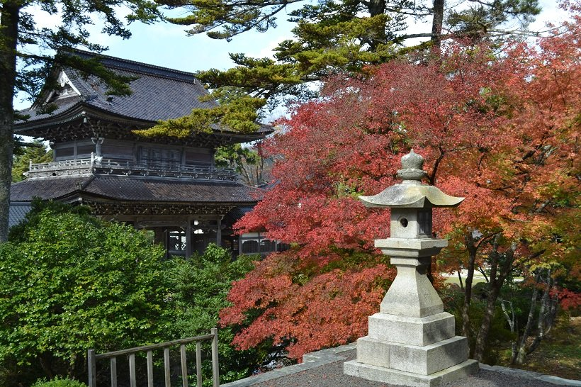 総持寺祖院の山門